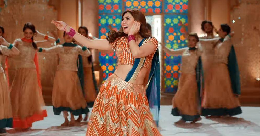 Mahira Khan hits the dance floor on friend's wedding   NewsBox